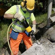 Lavori con martello pneumatico