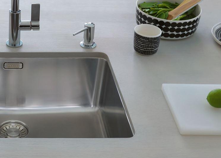 Lavello sottopiano in alluminio