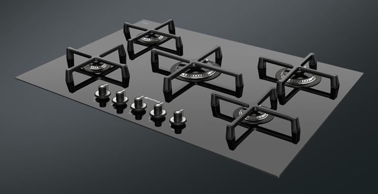 Piano cottura 5 fuochi componenti cucina caratteristiche dei piani cottura a 5 fuochi - Piani cottura design ...