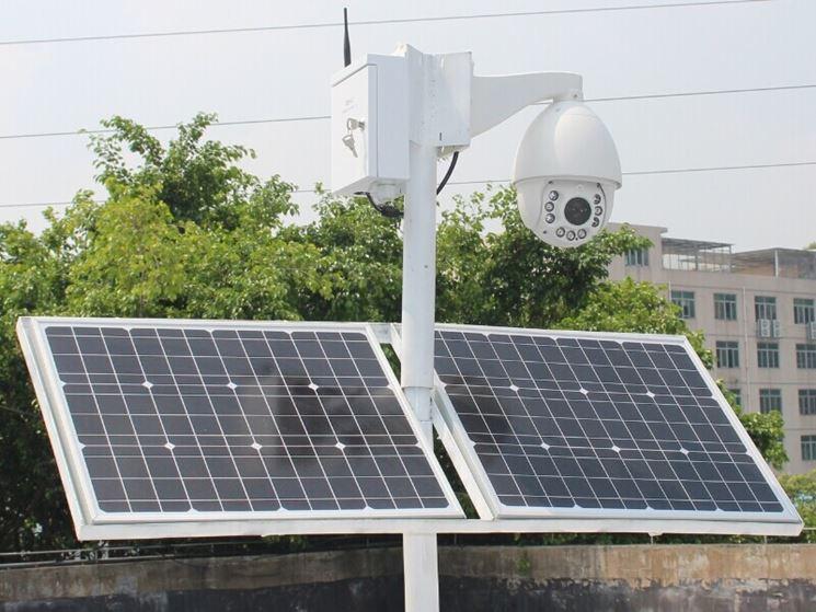 Telecamera alimentata da pannelli solari