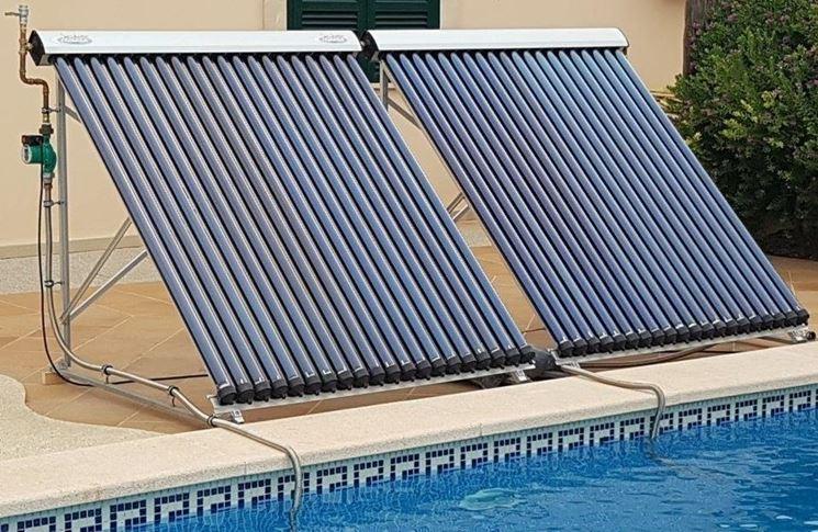 Collettori solari per riscaldare piscina