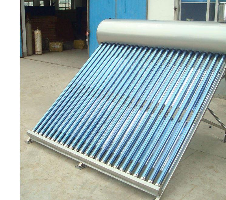 Un tipo di pannello solare con serbatoio