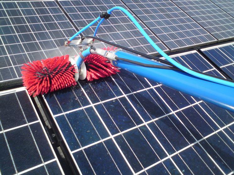 Pulitura dei pannelli fotovoltaici