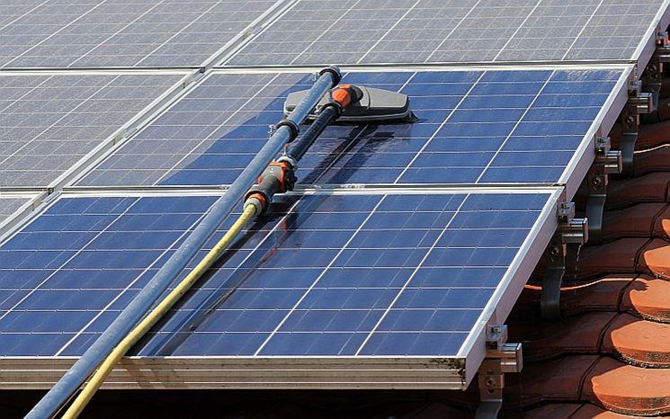 Operazioni manutenzione impianto fotovoltaico