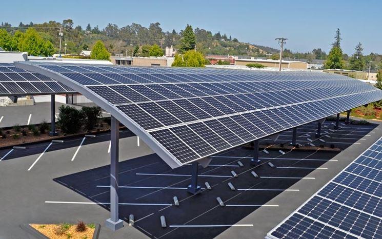 Pannelli fotovoltaici per il parcheggio