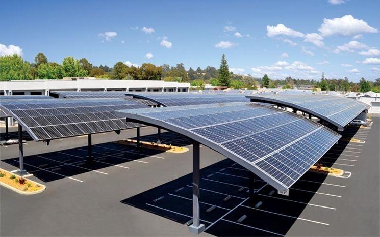 Esempio di pensilina fotovoltaica