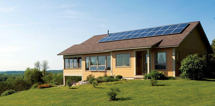 Pannelli fotovoltaici disposti a fila di due