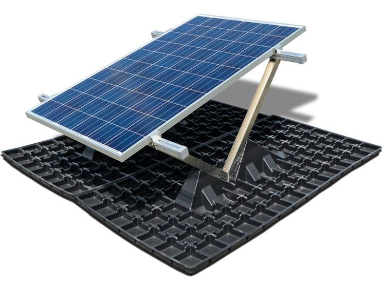 Un modulo fotovoltaico con il relativo sostegno