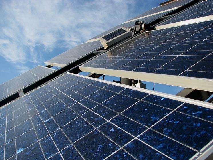 La superficie di pannelli fotovoltaici