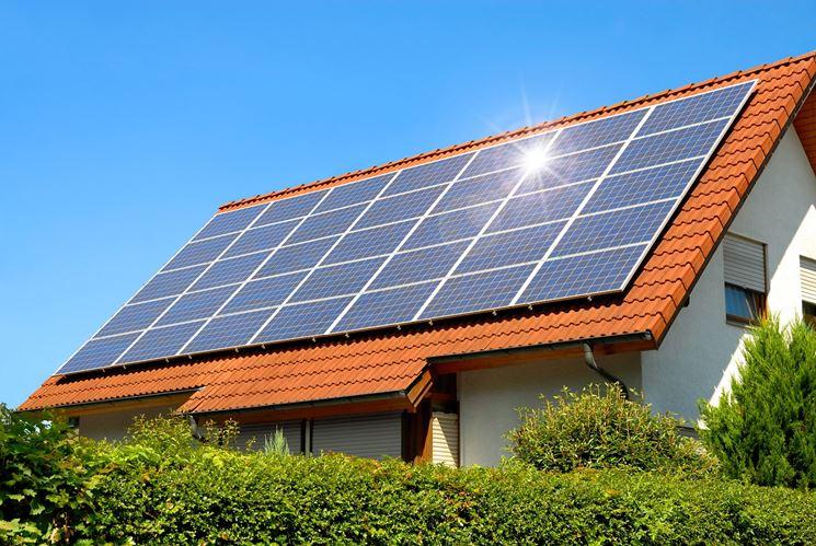 Il fotovoltaico sui tetti di una casa