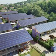 Un villaggio di pannelli fotovoltaici