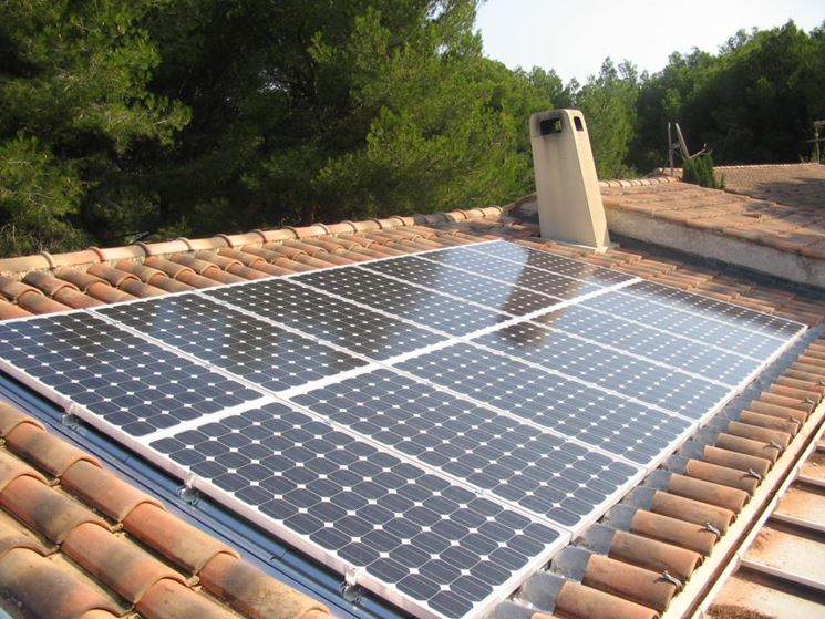 Tetto pannelli fotovoltaici