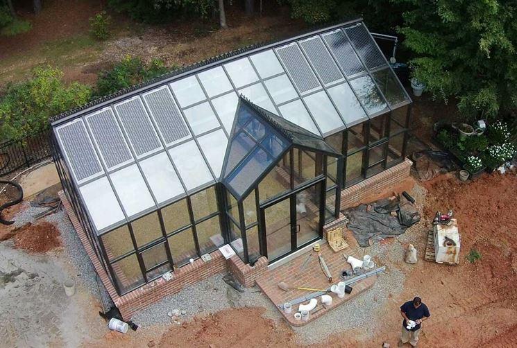 Serre fotovoltaiche con vetri trasparenti