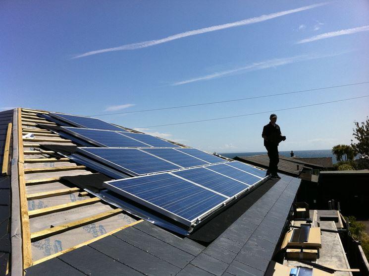 Montaggio pannelli sul tetto