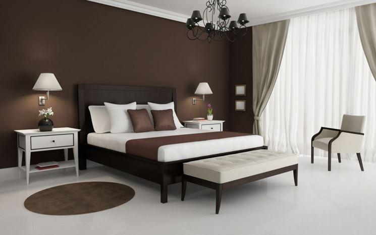 Stanza da letto marrone