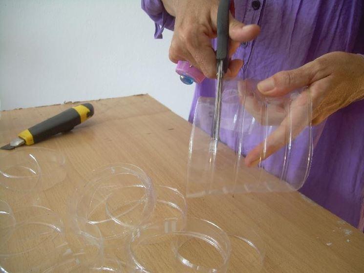 Lavoro creativo con bottiglia