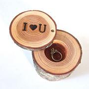 Portagioie in legno per anelli