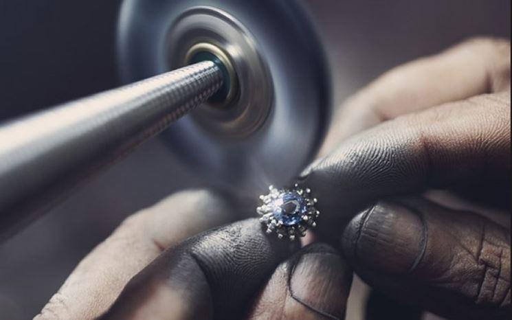 Realizzazione di gioielli artigianali