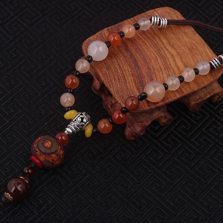 Gioielli etnici in legno