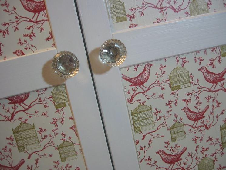 Decorazioni porte il decoupage varie tipologie di - Decorare le porte ...