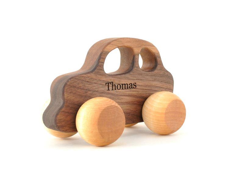 Automobilina in legno