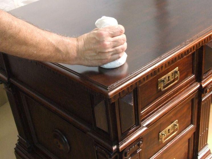Gommalacca per lucidare mobili
