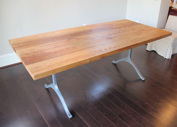Tavolo in legno castagno
