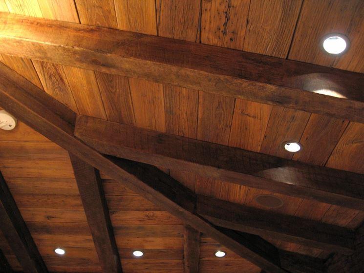 Travi in legno castagno