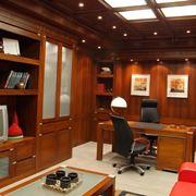 Ufficio arredato in legno pregiato
