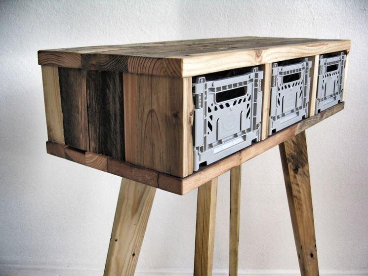mobile in legno riciclato