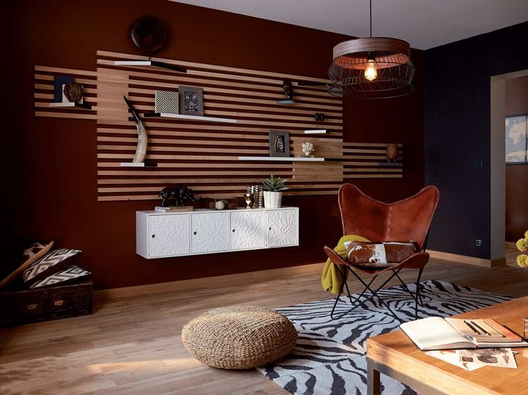 parete con listelli in legno
