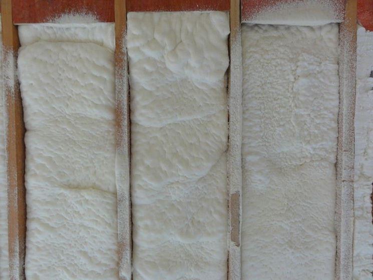 isolamento con schiuma di poliuretano
