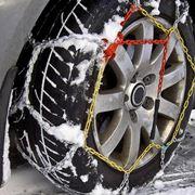 Catene da neve montate su pneumatico