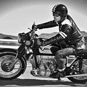 Motociclista moto d'epoca