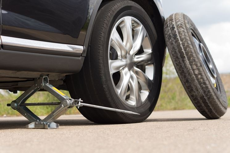sostituire pneumatici