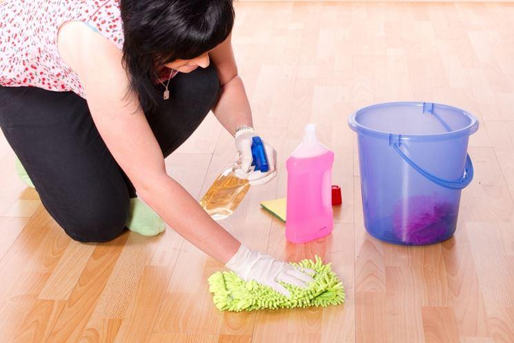 Come pulire i pavimenti