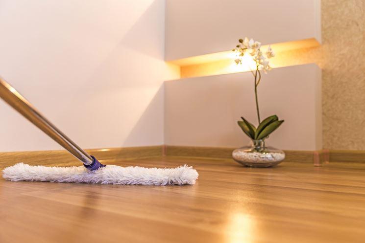 Pulizia del parquet - Pulizie di casa - Come pulire il parquet