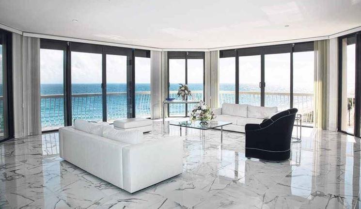 pavimento in marmo lucido