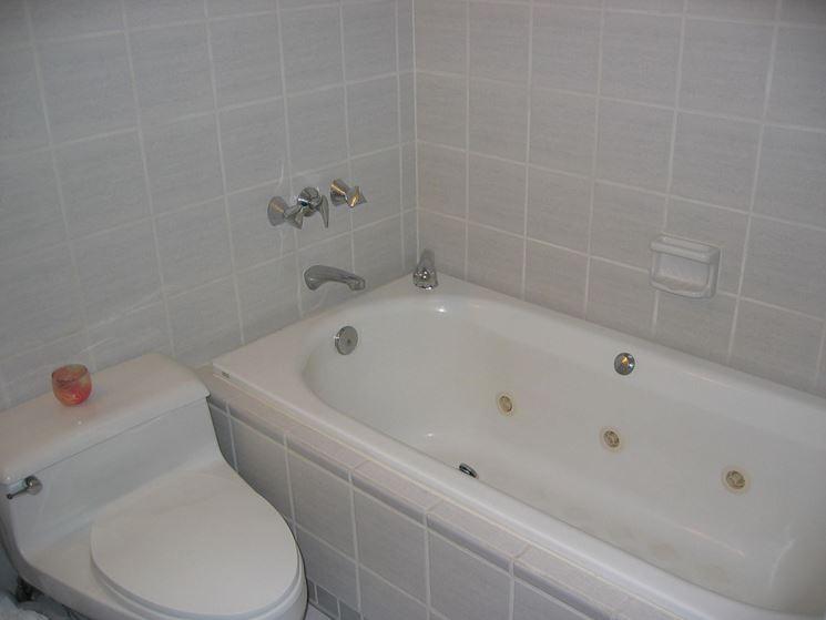 Rivestire la vasca da bagno riparare rivestimento vasca - Rivestimento vasca da bagno ...