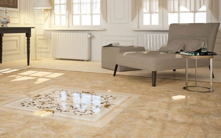 Salotto con pavimento in marmo
