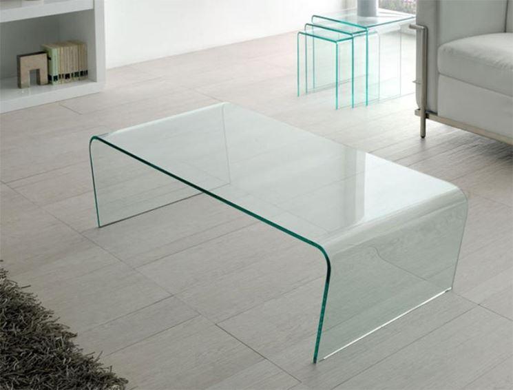 Tavolino in vetro curvo