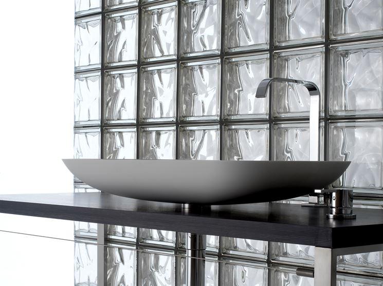 Utilizzo del vetro mattone nell'ambiente bagno