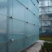 vetro strutturale per facciata palazzo