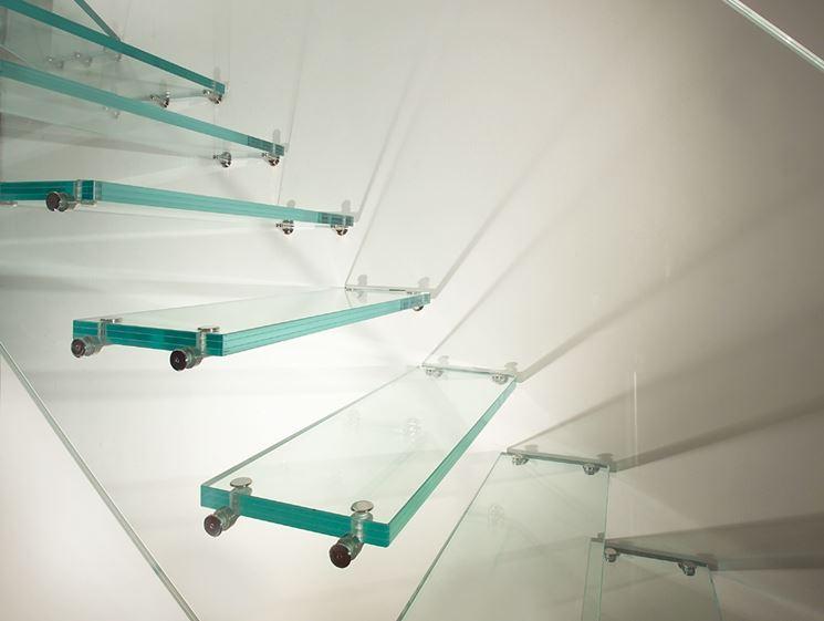 scalini in vetro strutturale