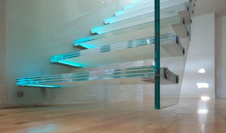 Dettaglio scala in vetro