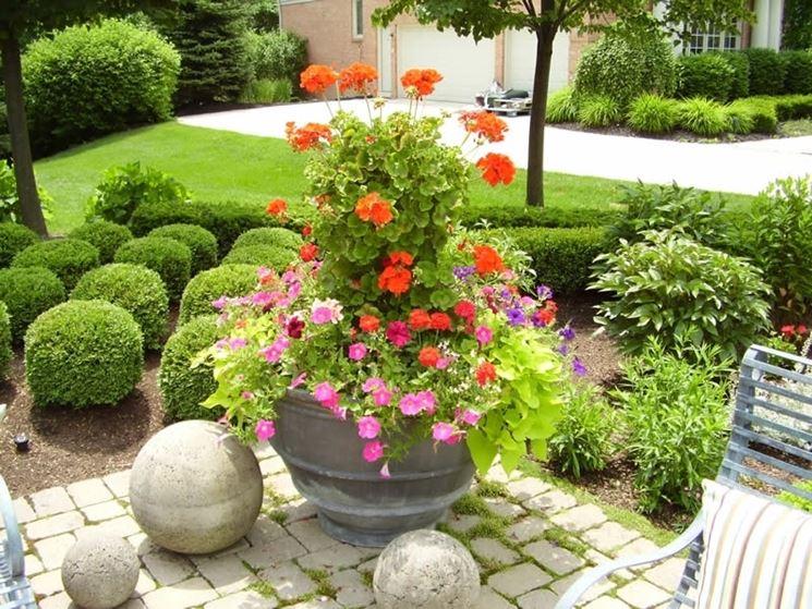 Fiori per fioriere vasi da giardino fiori giardino - Vasi da giardino ...
