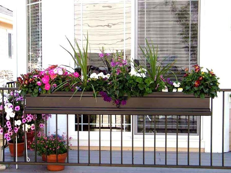 Fioriera balcone legno