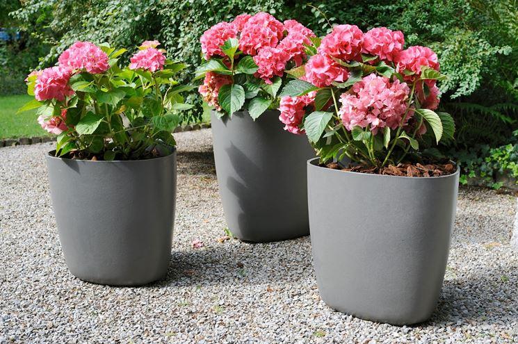 Vasi da esterno vasi da giardino varie tipologie di vasi da esterno - Vasi colorati esterno ...