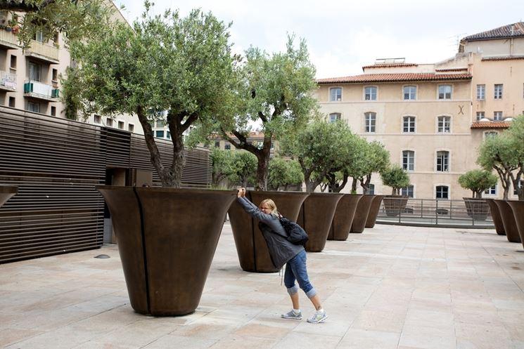 Vasi grandi vasi da giardino vari modelli di vasi grandi - Grandi alberi da giardino ...