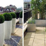 Modelli di vasi per terrazzi in legno